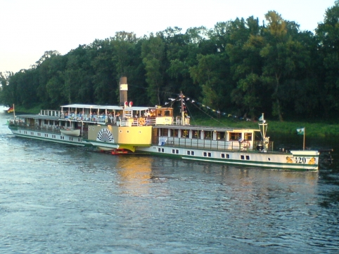 Dampferfahrten auf der Elbe
